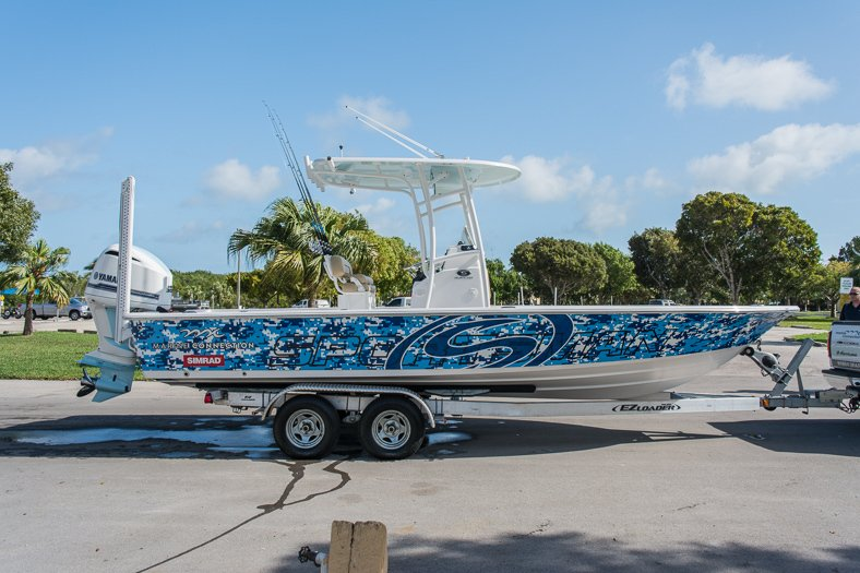 Thumbnail 4 for New 2016 Sportsman Masters 247 Elite Bay Boat boat for sale in Miami, FL
