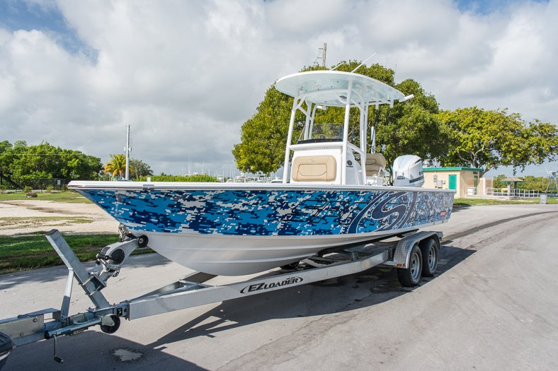 Thumbnail 6 for New 2016 Sportsman Masters 247 Elite Bay Boat boat for sale in Miami, FL
