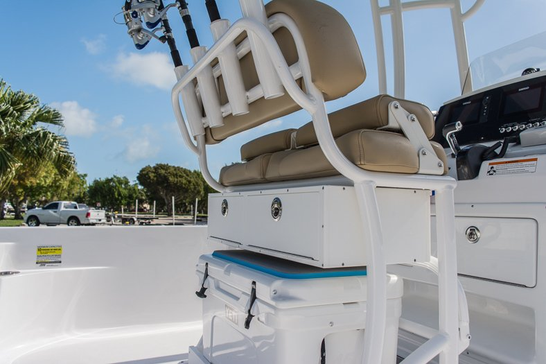 Thumbnail 17 for New 2016 Sportsman Masters 247 Elite Bay Boat boat for sale in Miami, FL