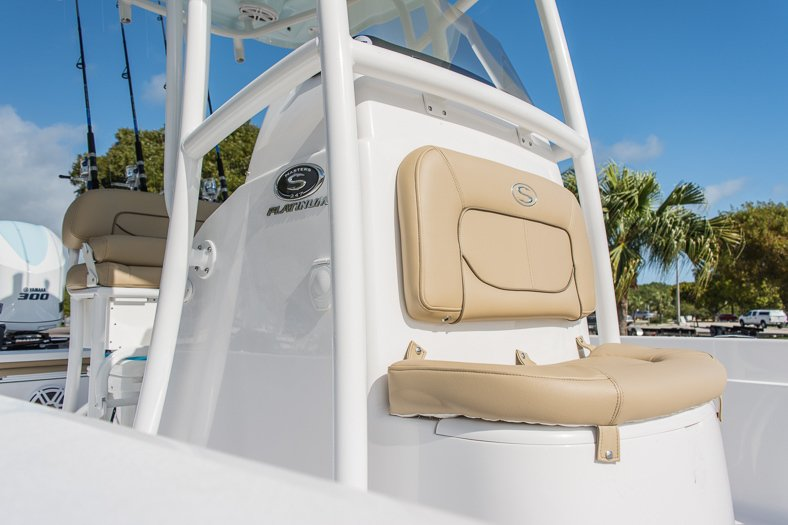 Thumbnail 22 for New 2016 Sportsman Masters 247 Elite Bay Boat boat for sale in Miami, FL