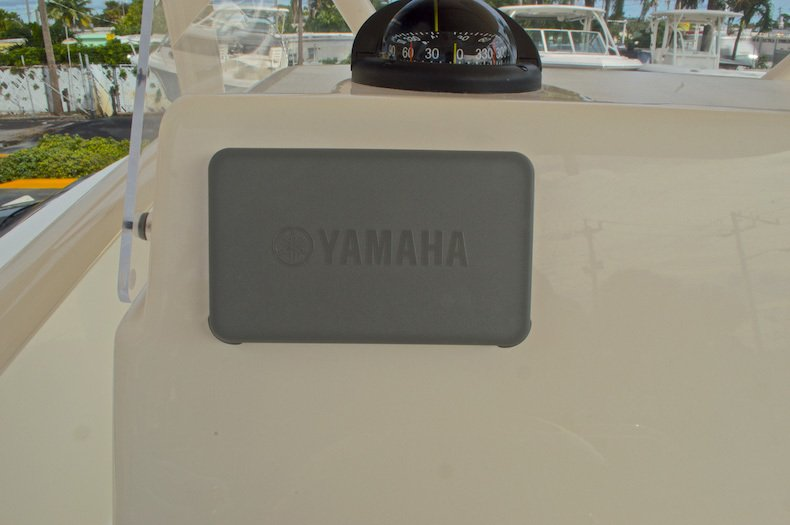 Thumbnail 37 for New 2016 Cobia 237 Center Console boat for sale in Miami, FL
