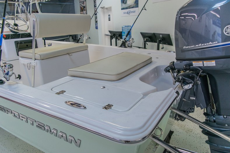 Thumbnail 6 for New 2016 Sportsman 18 Island Bay boat for sale in Miami, FL