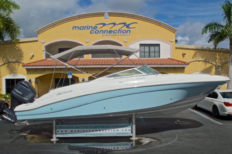 New 2016 Hurricane SunDeck SD 2690 OB boat for sale in Miami, FL