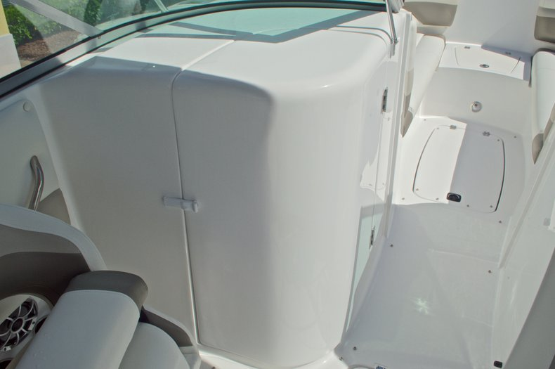 Thumbnail 34 for New 2016 Hurricane SunDeck SD 2690 OB boat for sale in Miami, FL