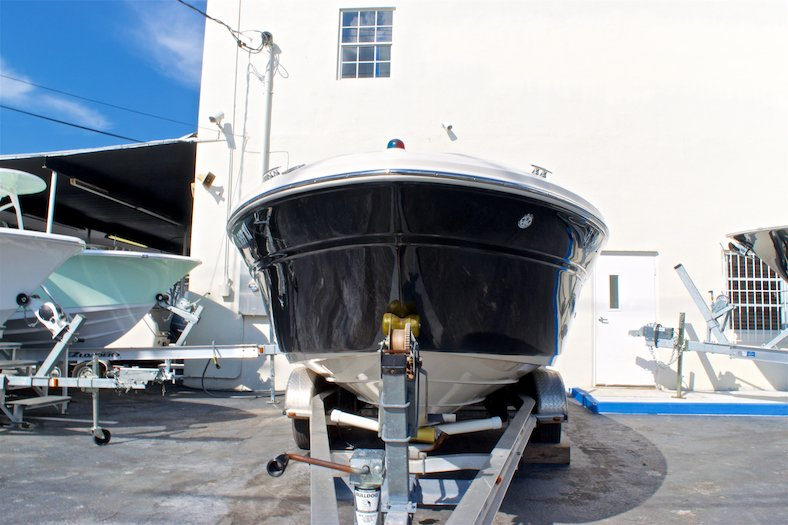 Thumbnail 2 for Used 2006 Sea Ray 220 Select boat for sale in Miami, FL