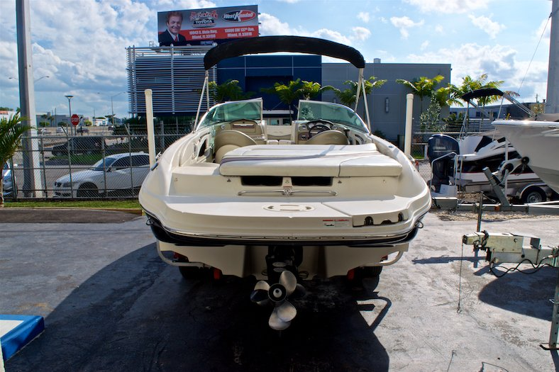Thumbnail 5 for Used 2006 Sea Ray 220 Select boat for sale in Miami, FL