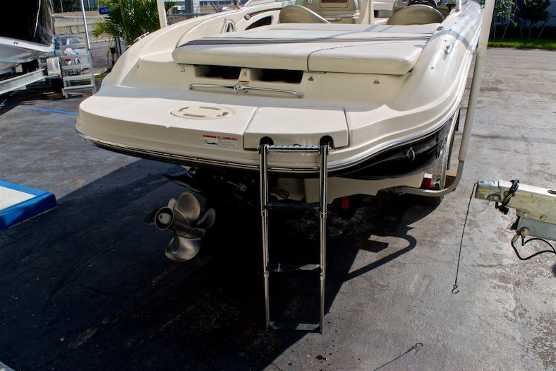 Thumbnail 11 for Used 2006 Sea Ray 220 Select boat for sale in Miami, FL