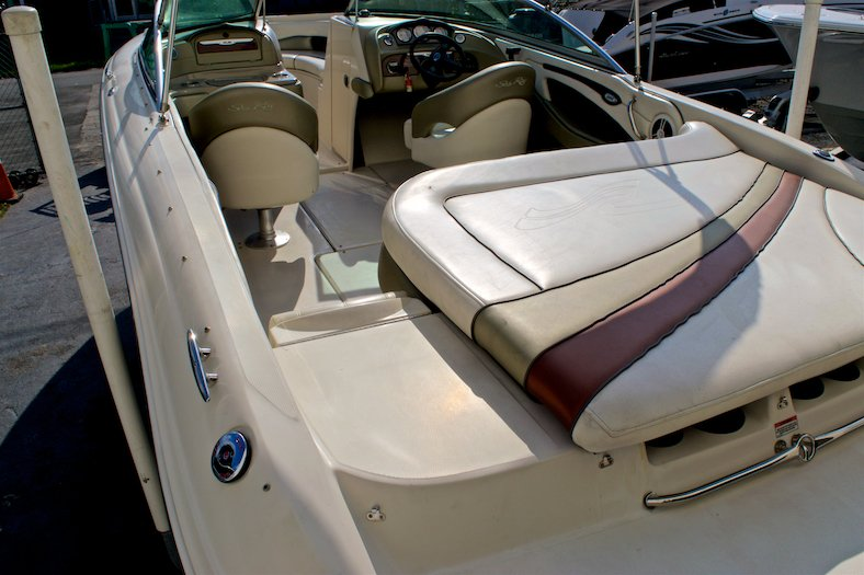 Thumbnail 13 for Used 2006 Sea Ray 220 Select boat for sale in Miami, FL