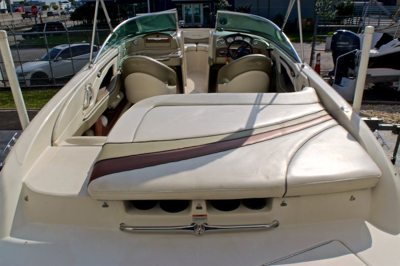 Thumbnail 14 for Used 2006 Sea Ray 220 Select boat for sale in Miami, FL