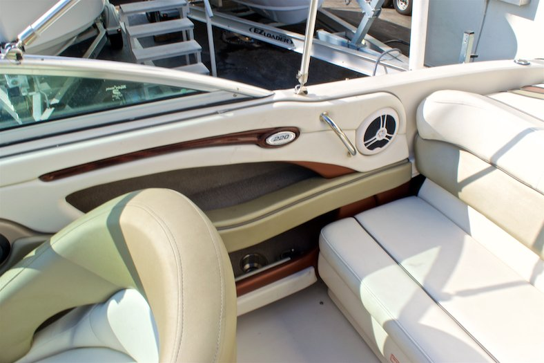 Thumbnail 23 for Used 2006 Sea Ray 220 Select boat for sale in Miami, FL