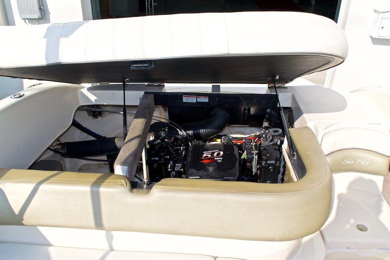 Thumbnail 24 for Used 2006 Sea Ray 220 Select boat for sale in Miami, FL
