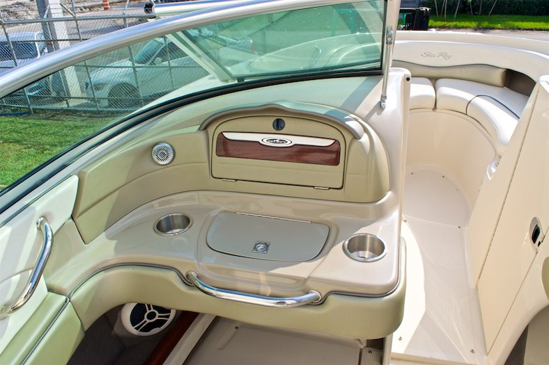 Thumbnail 39 for Used 2006 Sea Ray 220 Select boat for sale in Miami, FL