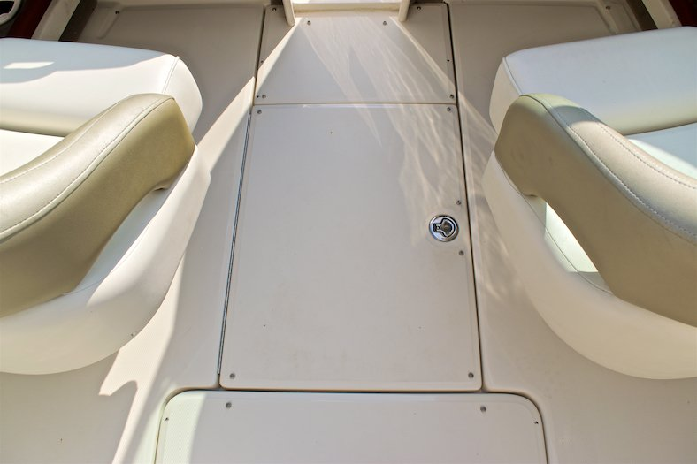 Thumbnail 52 for Used 2006 Sea Ray 220 Select boat for sale in Miami, FL