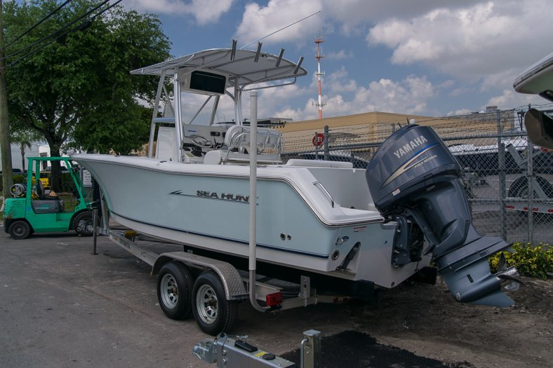 Thumbnail 1 for Used 2010 Sea Hunt Gamefish 24 Center Console boat for sale in Miami, FL
