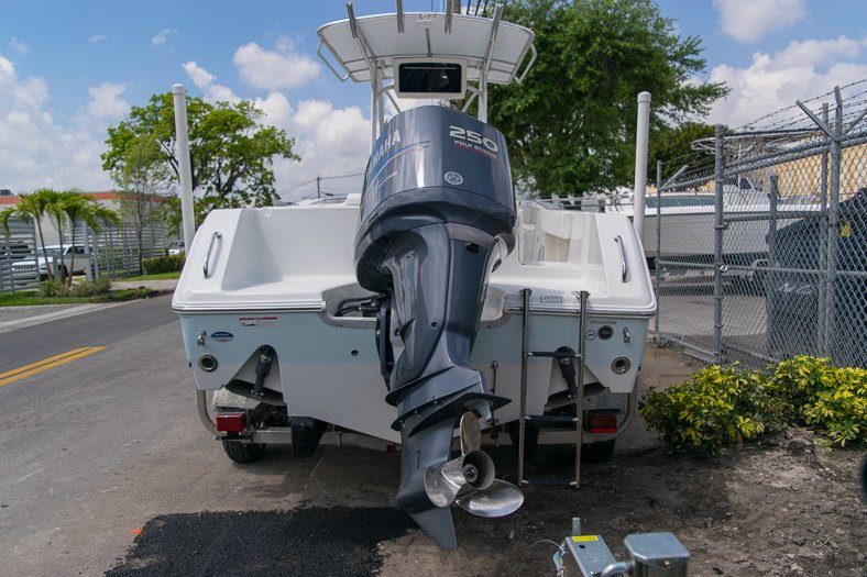 Thumbnail 2 for Used 2010 Sea Hunt Gamefish 24 Center Console boat for sale in Miami, FL