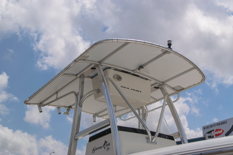 Thumbnail 8 for Used 2010 Sea Hunt Gamefish 24 Center Console boat for sale in Miami, FL