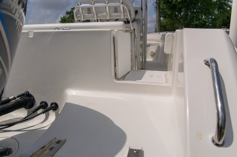 Thumbnail 17 for Used 2010 Sea Hunt Gamefish 24 Center Console boat for sale in Miami, FL