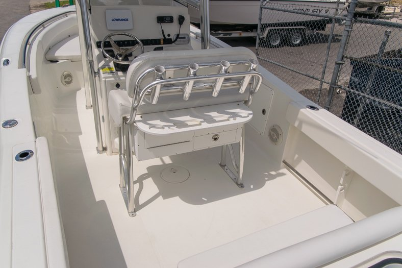 Thumbnail 21 for Used 2010 Sea Hunt Gamefish 24 Center Console boat for sale in Miami, FL