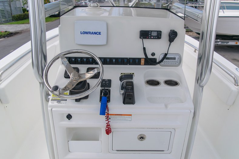 Thumbnail 34 for Used 2010 Sea Hunt Gamefish 24 Center Console boat for sale in Miami, FL