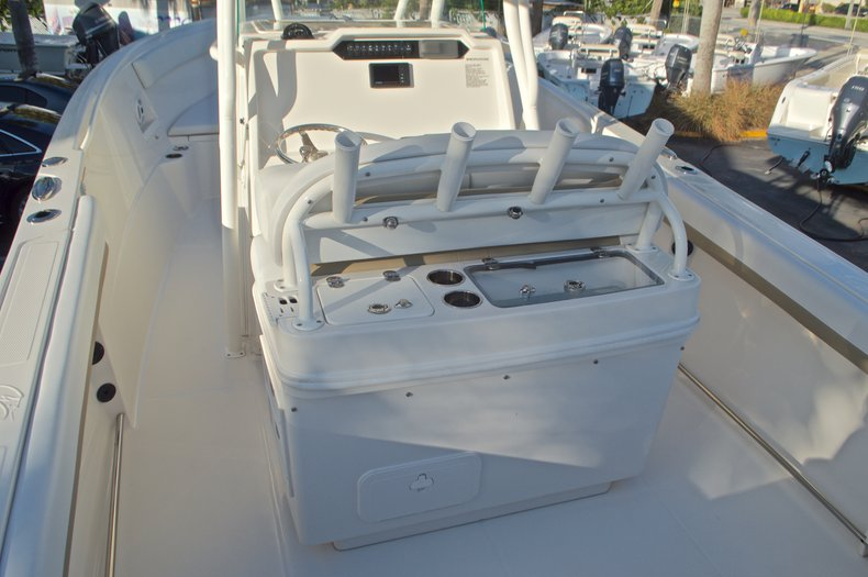 Thumbnail 11 for New 2016 Sailfish 270 CC Center Console boat for sale in Miami, FL