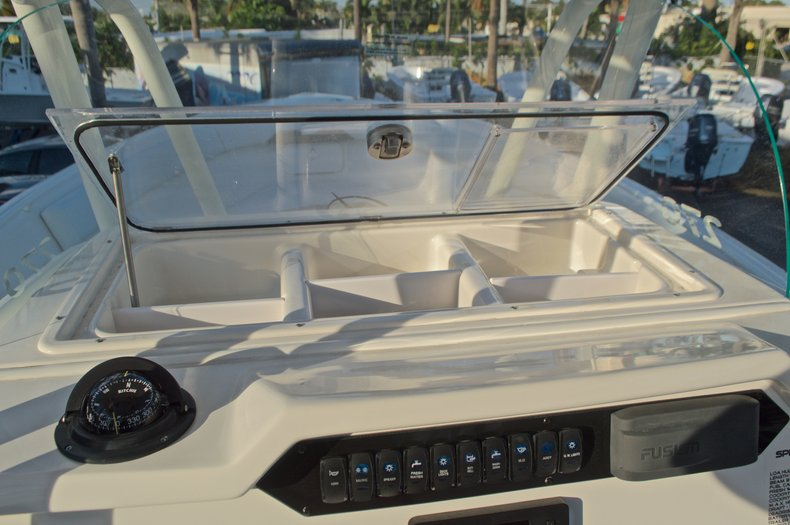 Thumbnail 33 for New 2016 Sailfish 270 CC Center Console boat for sale in Miami, FL