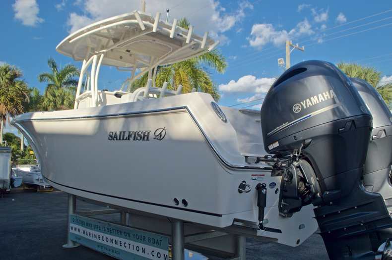 Thumbnail 6 for New 2016 Sailfish 270 CC Center Console boat for sale in Miami, FL