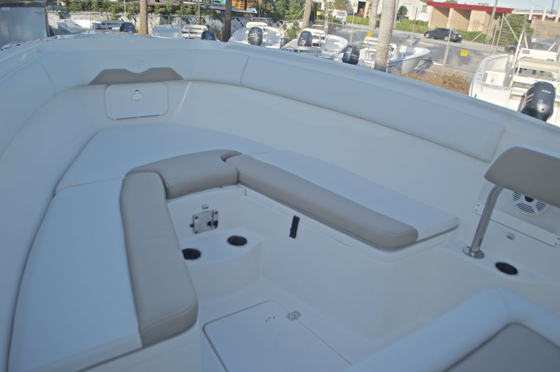 Thumbnail 47 for New 2016 Sailfish 270 CC Center Console boat for sale in Miami, FL