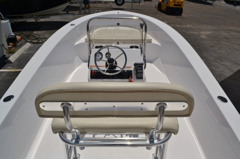 Thumbnail 8 for New 2016 Sportsman 19 Island Reef boat for sale in Miami, FL