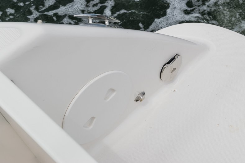 Thumbnail 50 for Used 2016 Robalo R305 Express Walkaround boat for sale in Miami, FL