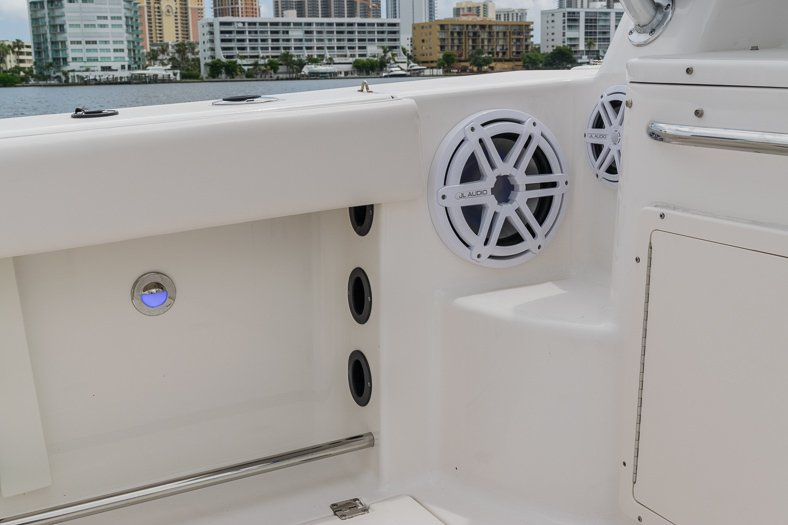 Thumbnail 52 for Used 2016 Robalo R305 Express Walkaround boat for sale in Miami, FL