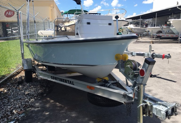 Thumbnail 1 for Used 2014 Key West 1520 Sportsman Center Console boat for sale in Miami, FL