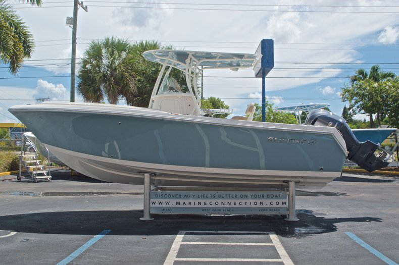 Thumbnail 4 for New 2017 Sailfish 240 CC Center Console boat for sale in Miami, FL