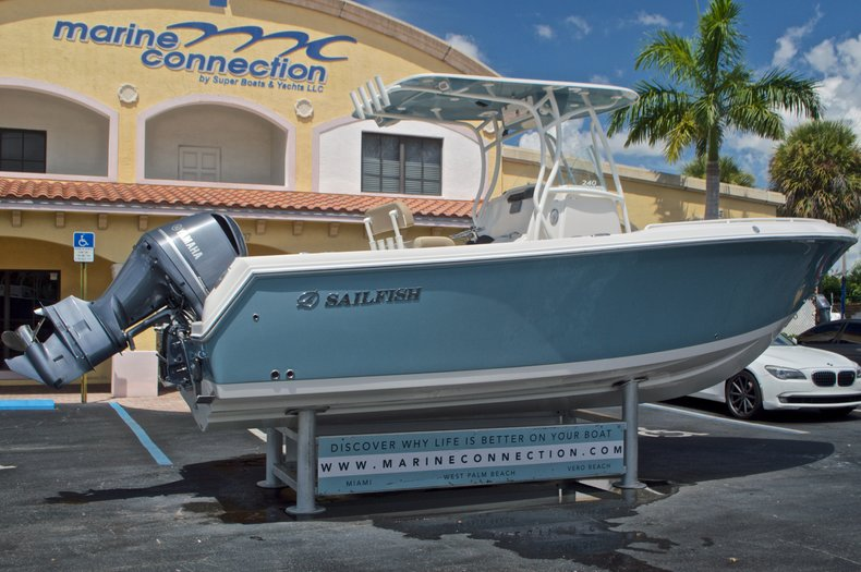Thumbnail 7 for New 2017 Sailfish 240 CC Center Console boat for sale in Miami, FL