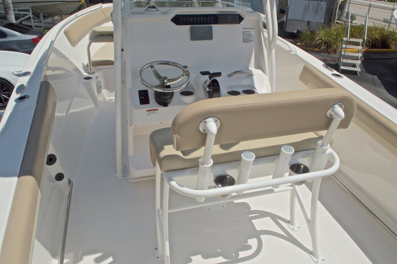 Thumbnail 9 for New 2017 Sailfish 240 CC Center Console boat for sale in Miami, FL