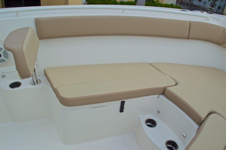 Thumbnail 49 for New 2017 Sailfish 290 CC Center Console boat for sale in Miami, FL