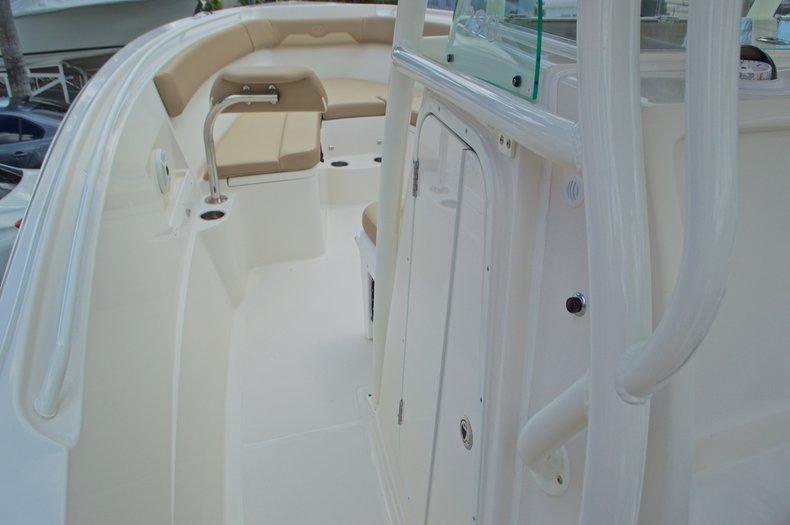 Thumbnail 42 for New 2017 Sailfish 290 CC Center Console boat for sale in Miami, FL