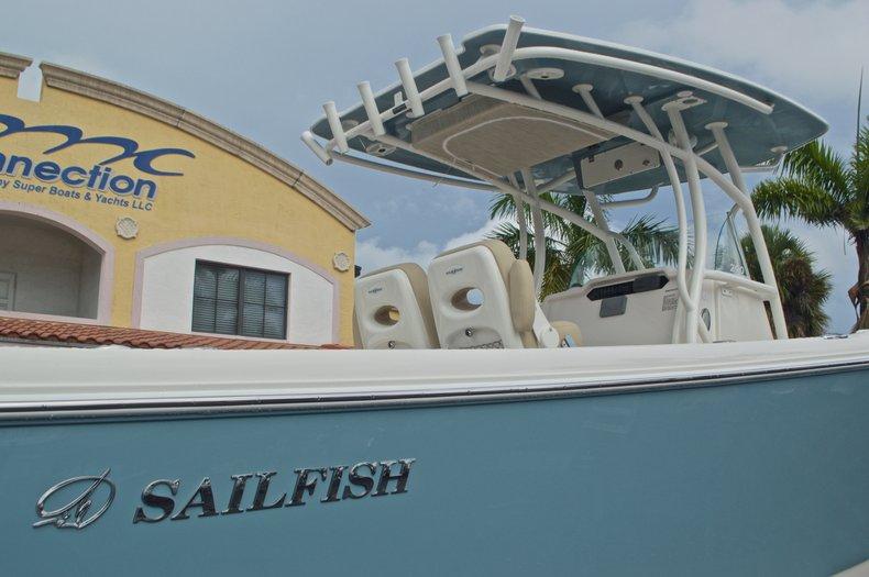 Thumbnail 9 for New 2017 Sailfish 290 CC Center Console boat for sale in Miami, FL