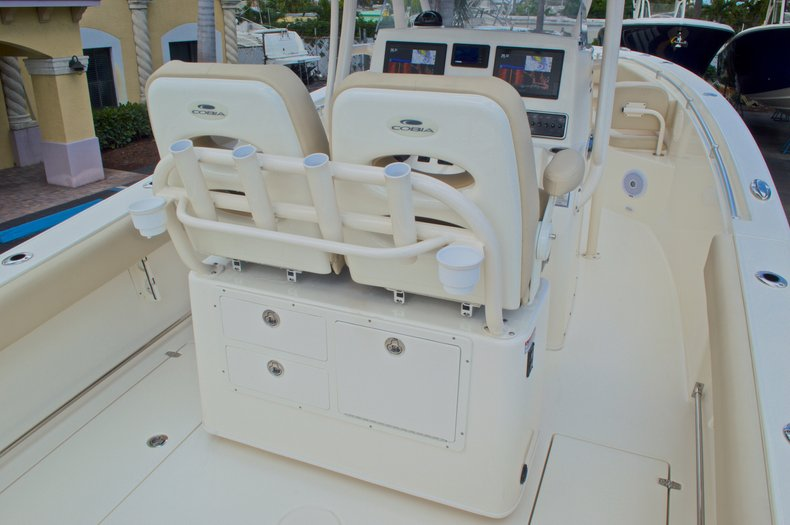 Thumbnail 12 for New 2017 Cobia 261 Center Console boat for sale in Miami, FL