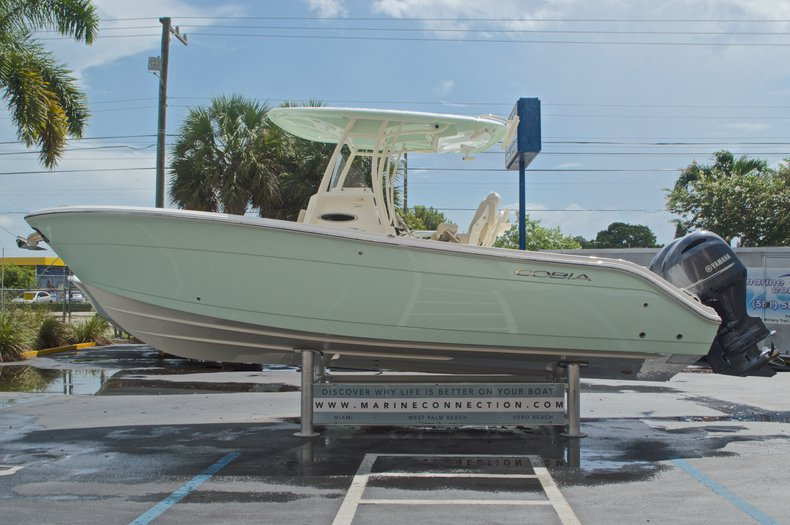 Thumbnail 5 for New 2017 Cobia 261 Center Console boat for sale in Miami, FL