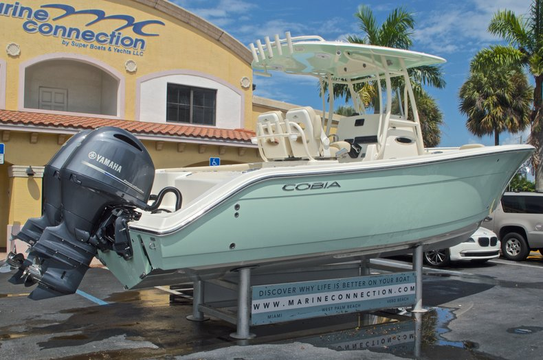 Thumbnail 8 for New 2017 Cobia 261 Center Console boat for sale in Miami, FL