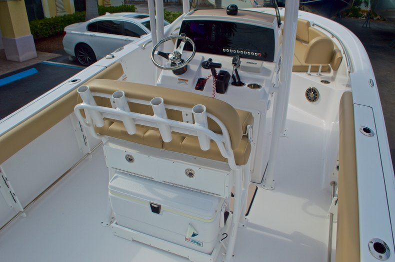 Thumbnail 12 for New 2017 Sportsman Open 232 Center Console boat for sale in Miami, FL