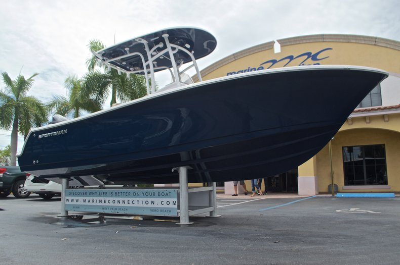 Thumbnail 2 for New 2017 Sportsman Open 232 Center Console boat for sale in Miami, FL