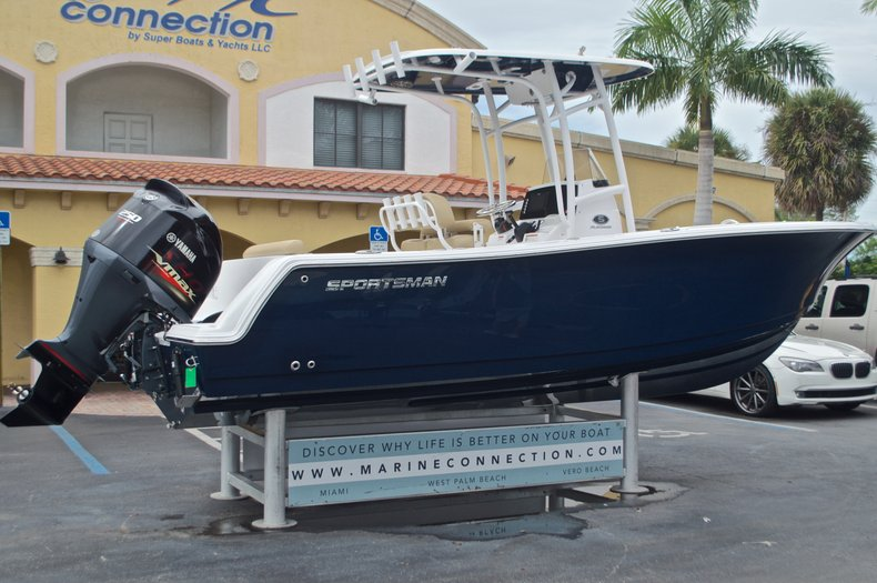 Thumbnail 9 for New 2017 Sportsman Open 232 Center Console boat for sale in Miami, FL