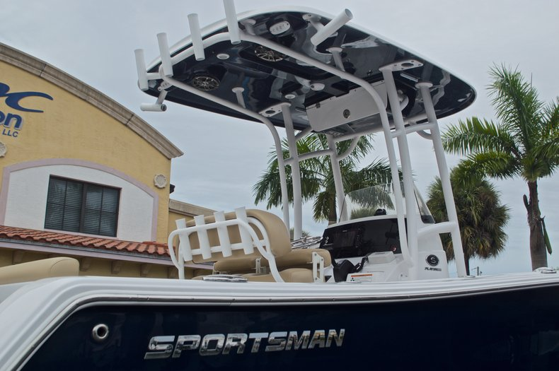 Thumbnail 10 for New 2017 Sportsman Open 232 Center Console boat for sale in Miami, FL