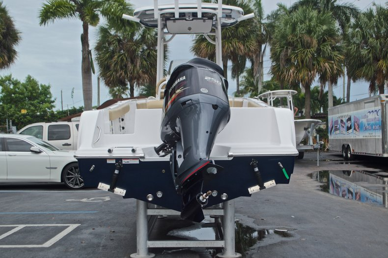 Thumbnail 8 for New 2017 Sportsman Open 232 Center Console boat for sale in Miami, FL