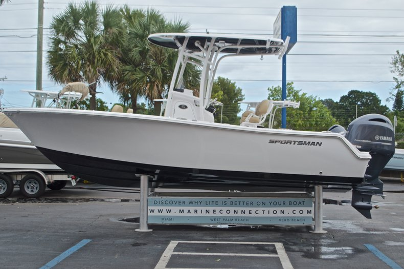 Thumbnail 4 for New 2017 Sportsman Open 212 Center Console boat for sale in Miami, FL