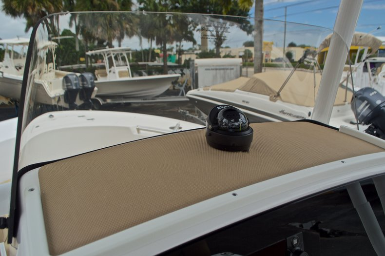 Thumbnail 32 for New 2017 Sportsman Open 212 Center Console boat for sale in Miami, FL