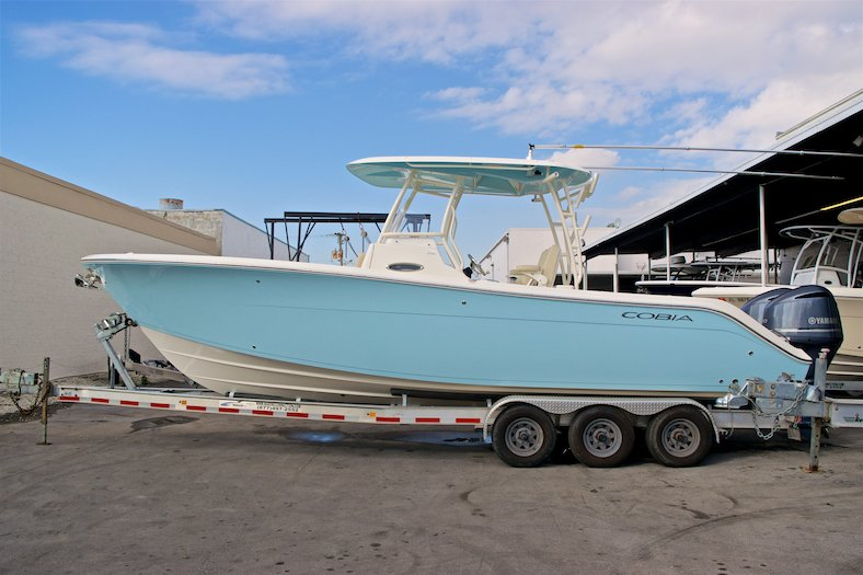 New 2017 Cobia 296 Center Console boat for sale in Miami, FL
