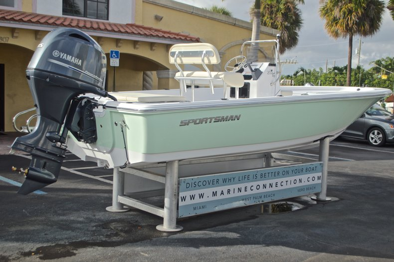 Thumbnail 7 for New 2017 Sportsman 20 Island Bay boat for sale in Miami, FL
