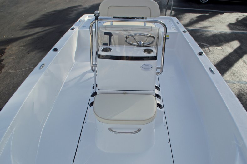 Thumbnail 27 for New 2017 Sportsman 20 Island Bay boat for sale in Miami, FL